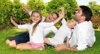 """Camposanto. """"I giochi del cuore"""". A cura del Centro per le famiglie."""