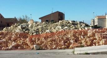 """Lavori per la fognatura di via Fieramosca a Ragusa, D'Asta e Chiavola (PD): """"C'è una discarica a cielo aperto con il materiale di risulta degli scavi"""""""