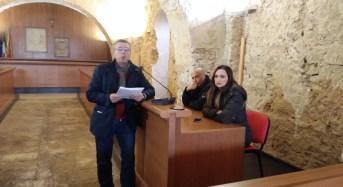 Acate. Conferenza Stampa del sindaco Raffo su rifiuti ed agricoltura.