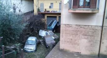 Maltempo. La provincia iblea conta i danni: A Modica la pioggia spazza via pure le auto