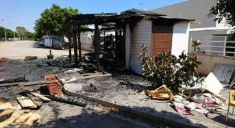 """Chiosco incendiato a Marina di Ragusa. Ragusa in Movimento: """"Forze dell'ordine facciano al più presto piena luce sull'accaduto"""""""