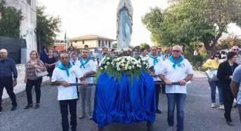 La processione tra i campi ha concluso San Giacomo i festeggiamenti in onore della beata Maria Vergine di Lourdes