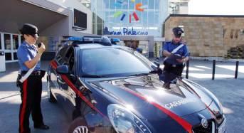 Palermo. Rubano occhiali da sole all'interno di un megastore. I carabinieri arrestano due giovani donne
