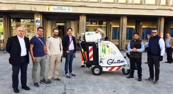 Sperimentazione aspiratore elettrico urbano questa mattina a Ragusa