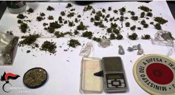 Mascali. Nascondeva in casa 100 dosi di marijuana e 250 semi di canapa indiana: Arrestato