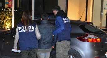 Enna, già agli arresti domiciliari gira per la città e non si ferma all'alt della Polizia di Stato: arrestato per evasione