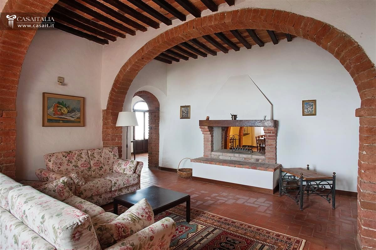 Tuscan Farmhouse For Sale In Val DOrcia Turrita Di Siena