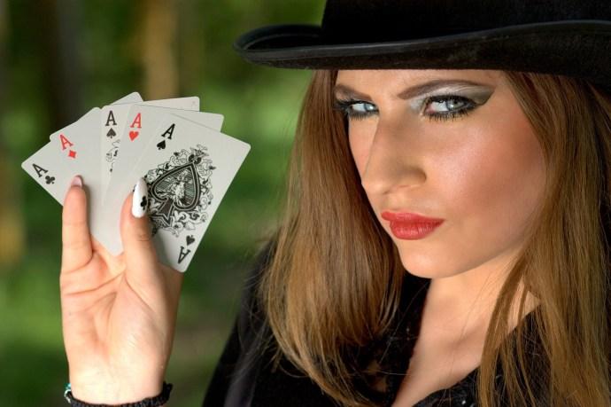 Pokeri ja pokeriristeilyt yleistyvät