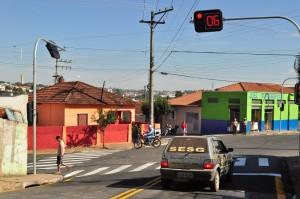 Novo semáforo já funciona na Vila Ilze