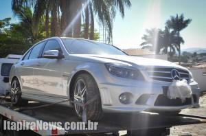 Mercedes não foi levada por bandidos, que fugiram com caminhões