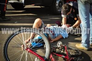 Vítima foi socorrida pelo Samu com diversos ferimentos