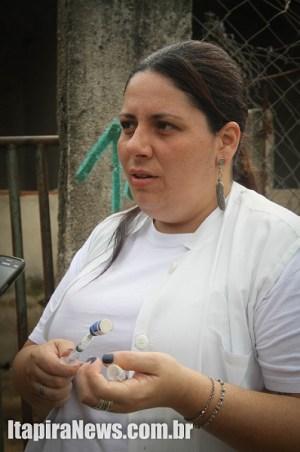 Marina conseguiu as doses por meio de orgão internacional de proteção animal
