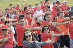 Participantes fizeram alongamento durante evento (Divulgação)