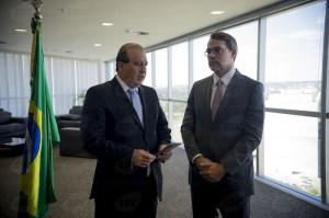 Ministro Augusto Nardes (TCU) entregou a Dias Toffoli (TSE) lista com mais de 6 mil gestores que tiveram contas julgadas irregulares (Marcelo Camargo/Agência Brasil)