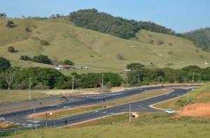 Ponte Preta também ganhou novo dispositivo implantado pelo DER (Alexandre Siqueira/Prefeitura Municipal de Itapira)