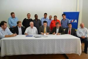 Assinatura aconteceu na Casa da Cultura, na manhã de sexta (Prefeitura Municipal)