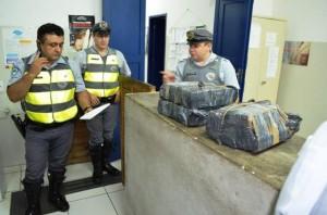 Policiais rodoviários comunicam a apreensão à Delegacia de Mogi Mirim (Bia Canto)