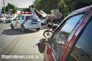 Outro carro foi atingido de raspão