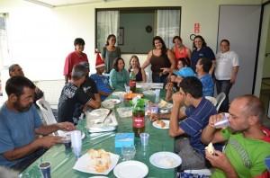 Equipe do CREAS ofertou almoço especial a moradores de rua (Divulgação)