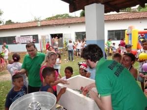 Ação solidária beneficou crianças atendidas por instituição (Divulgação)
