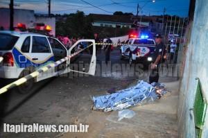 Vítima morreu ao levar dois tiros