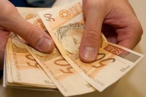 Novo salário mínimo começa a vigorar (Ilustração)