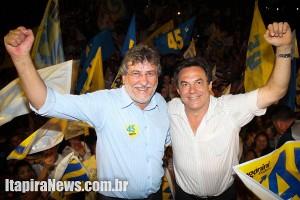 Paganini e Boretti ao vencerem as eleições de 2012; agora, vice poderá ser cassado (Leo Santos)
