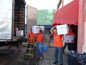 Donativos foram transportados para Mariana, em Minas (Divulgação)