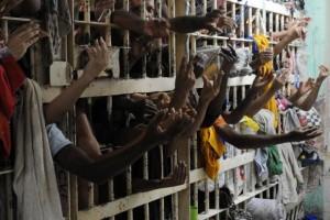 Em 25 anos, o número de pessoas privadas de liberdade no país subiu de 90 mil para 622 mil (Arquivo/Agência Brasil)