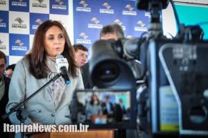 Superintendente regional da Caixa, Cecília Helena Bomfim, também participou do ato