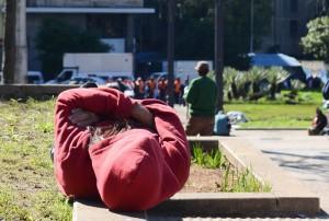 Pessoas em situação de rua enfrentam baixas temperaturas (Rovena Rosa/Agência Brasil)