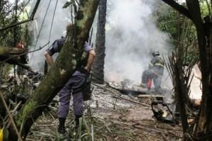 Avião pegou fogo após queda em Manaus (Reprodução)