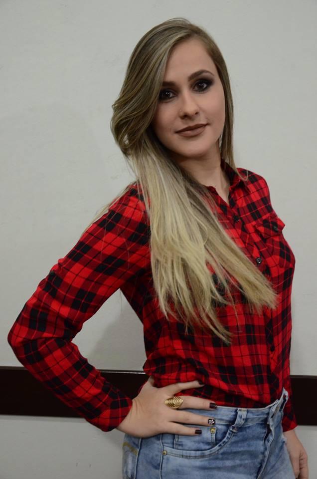 Letícia Palandi de Alvarenga – 22 anos