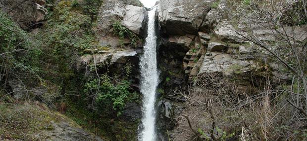 Водопад во близина на село Брник
