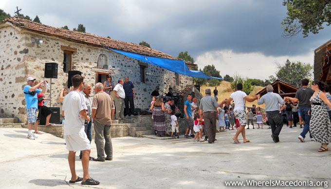 Манастир Св. Илија (Брен), село Градешница