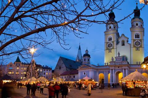 piazza del mercatino a bressanone
