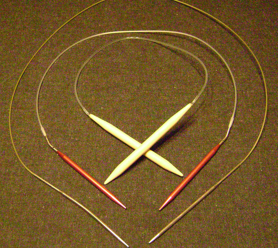 Circular Knitting Needles. http://www.itchinforsomestitchin.com