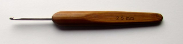 Wood Crochet Hook. http://www.itchinforsomestitchin.com