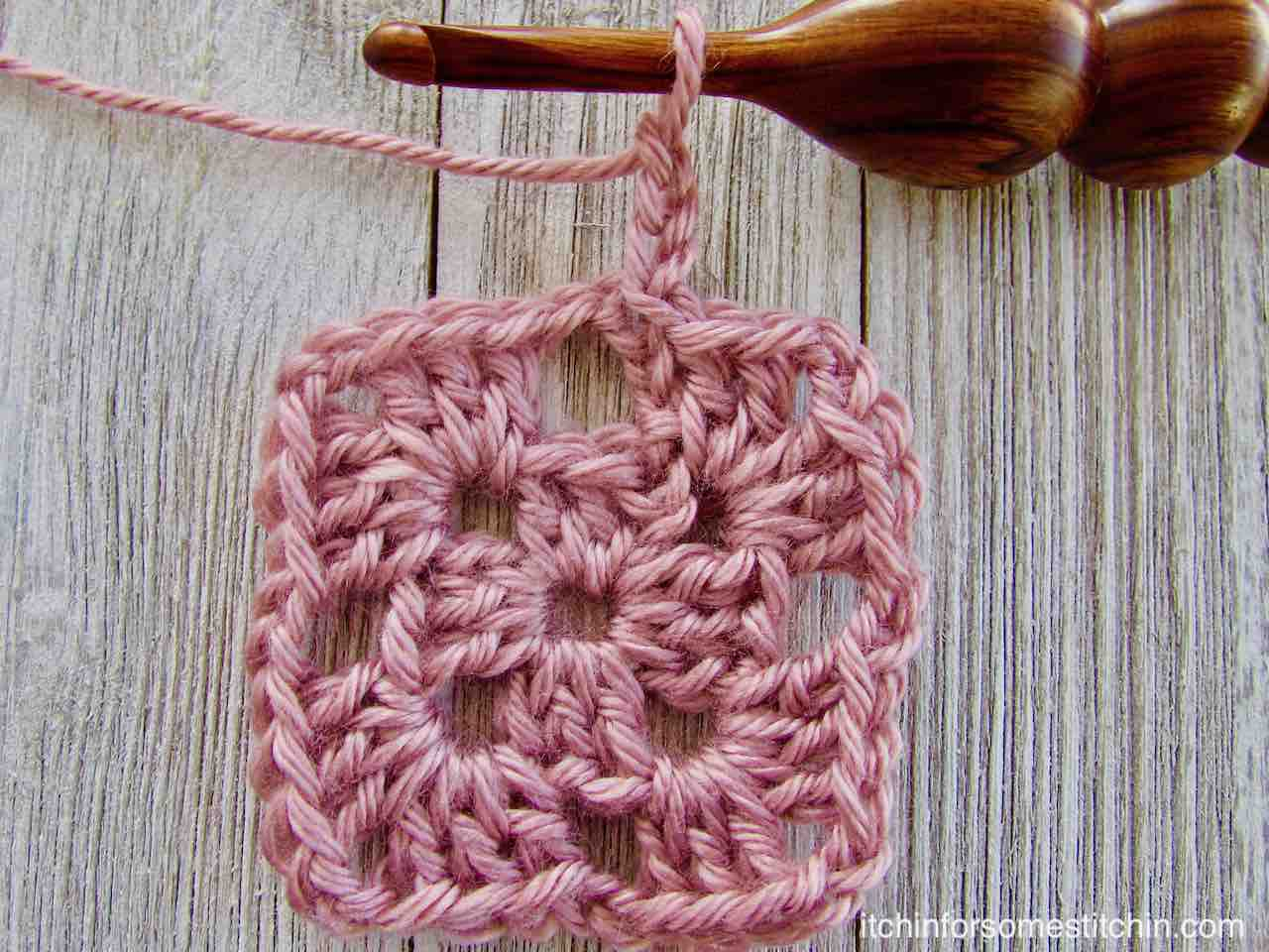 How to Crochet a Basic Granny Square by http://www.itchinforsomestitchin.com