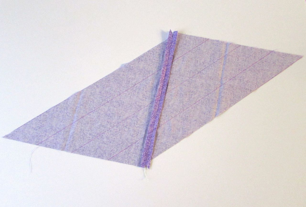 2 inch lines on parallelogram complete for bias tape tutorial by www.itchinforsomestitchin.com
