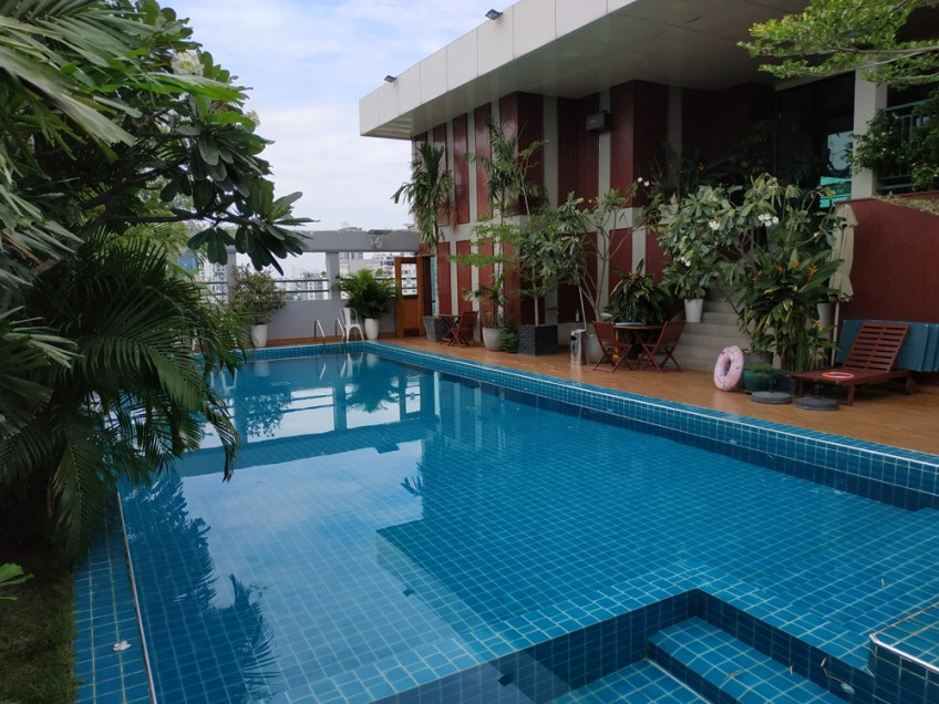 Rooftop pool serviced apartment phnom penh