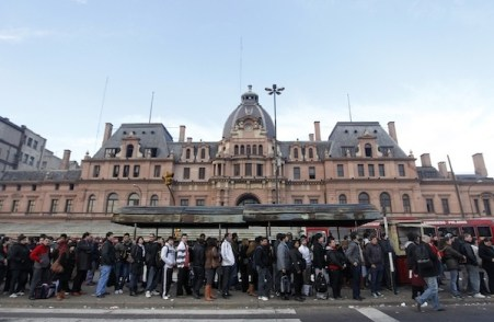 Demand for transport services is high in buenos aires, and the city was struggling to meet the need.