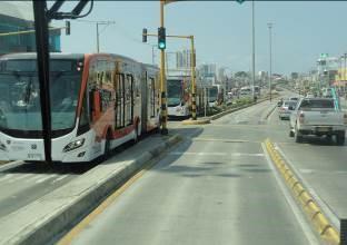 Standard busway configuration (Av Pedro de Heredia 2017)
