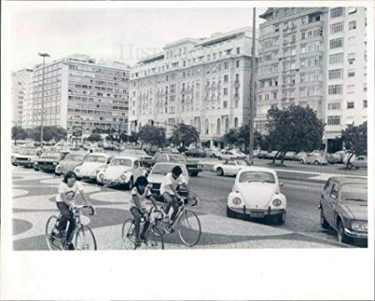 Black and white photo of cars in street in Rio de Janeiro