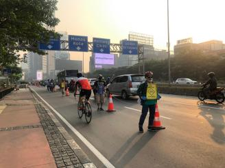 Temporary measures allotted space for cyclists during the temporary phase of the cycle lane.