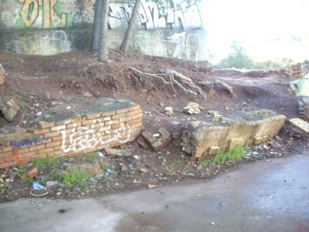 hundimiento muro contencion