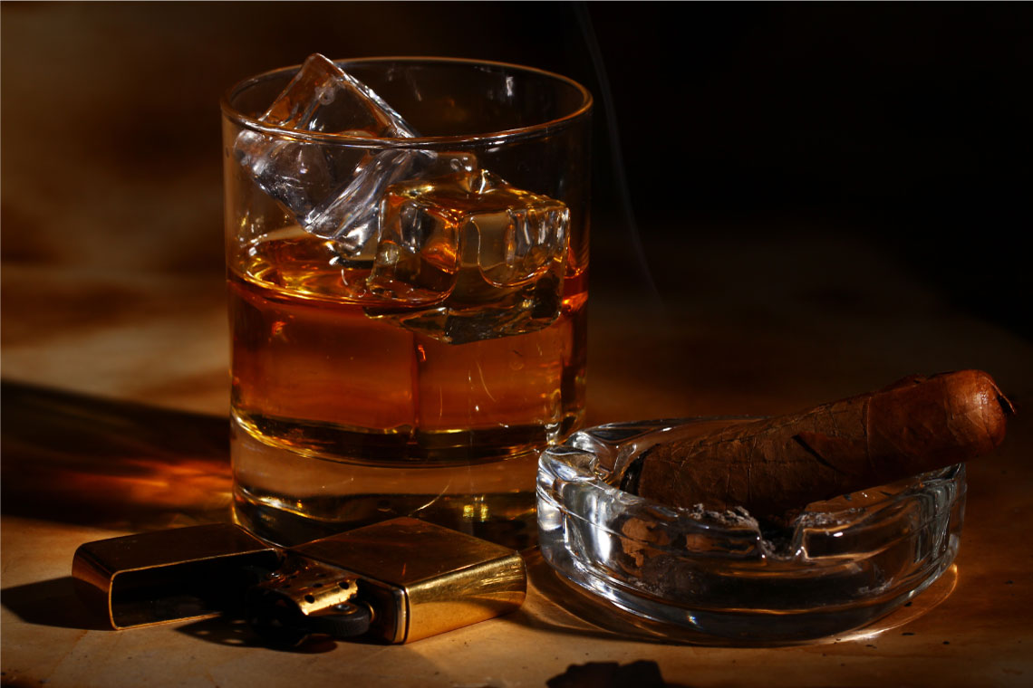 Cigar and Whiskey Gift Set