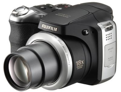 FujiFilm FinePix S8100fd with 18X Zoom