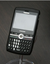 Toshiba Portege G710 - BlackBerry-like PDA Phone