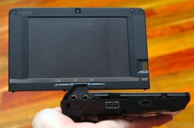 fujitsu-lifebook-u2010-mini-tablet-2.jpg